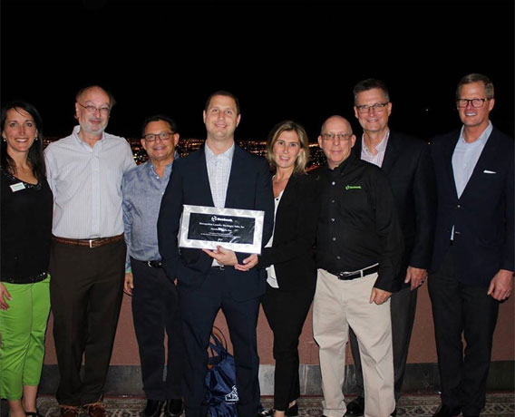 Metropolitan Machinery Team Awarded for Their Exceptional service